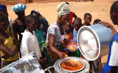 Alumnas del Programa de Doctorado en Energía Renovables y Sostenibilidad Energética de la USC han impartido un Taller para la construcción de hornos y cocinas solares en Burkina Faso